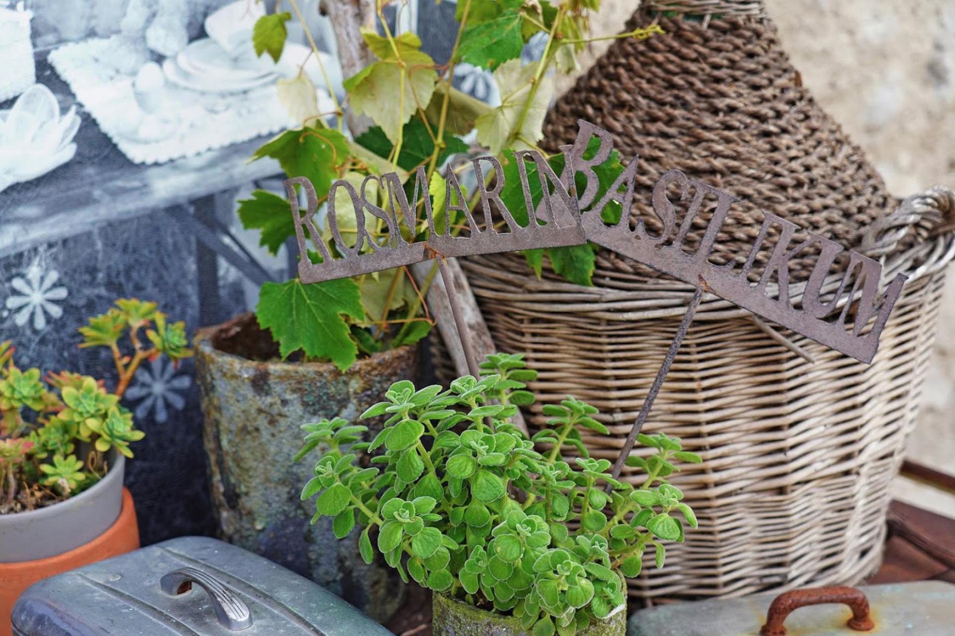 Agriturismo Comomeer en Gardameer Agriturismo Gardameer met uitzicht en sfeervol interieur