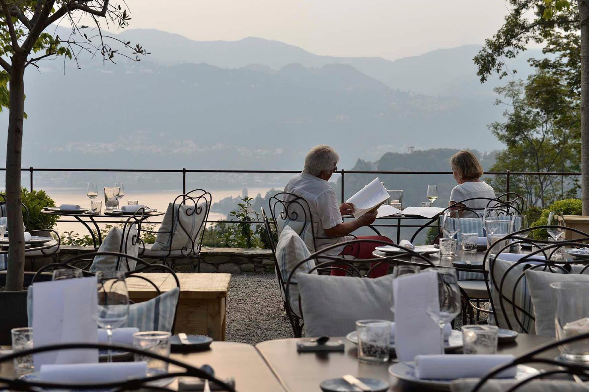 Agriturismo Comomeer en Gardameer Agriturismo Lago Maggiore met bijzonder mooi uitzicht