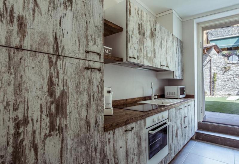 Agriturismo Comomeer en Gardameer Appartementen Gardameer in typisch dorpje