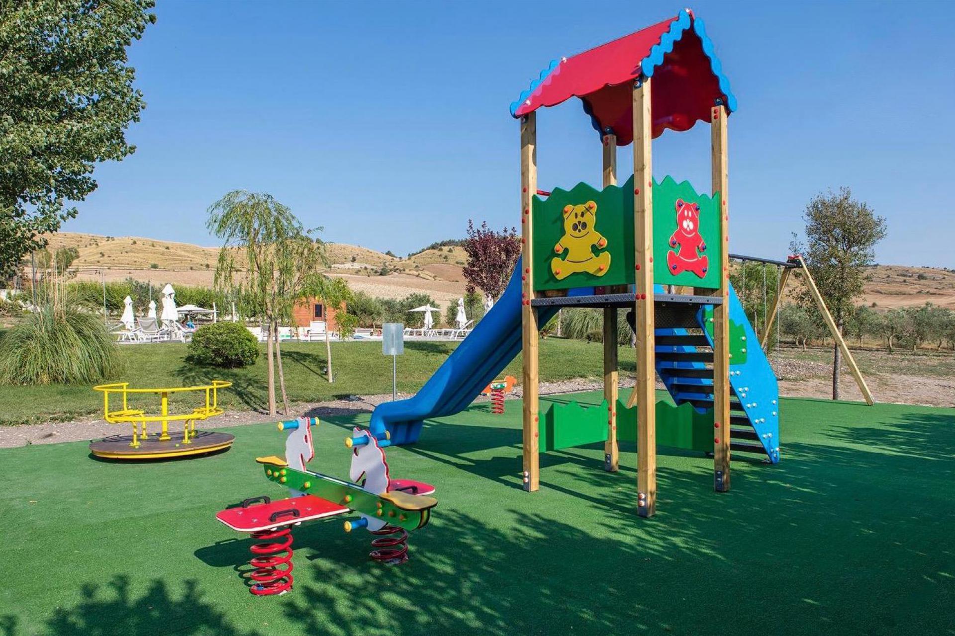 Agriturismo Sicilie Familievriendelijke agriturismo op Sicilië met groot zwembad