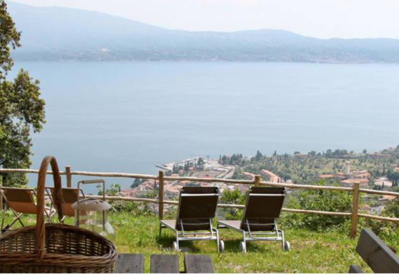 Agriturismo Comomeer en Gardameer Knus landhuis met uitzicht over het Gardameer en zwembad