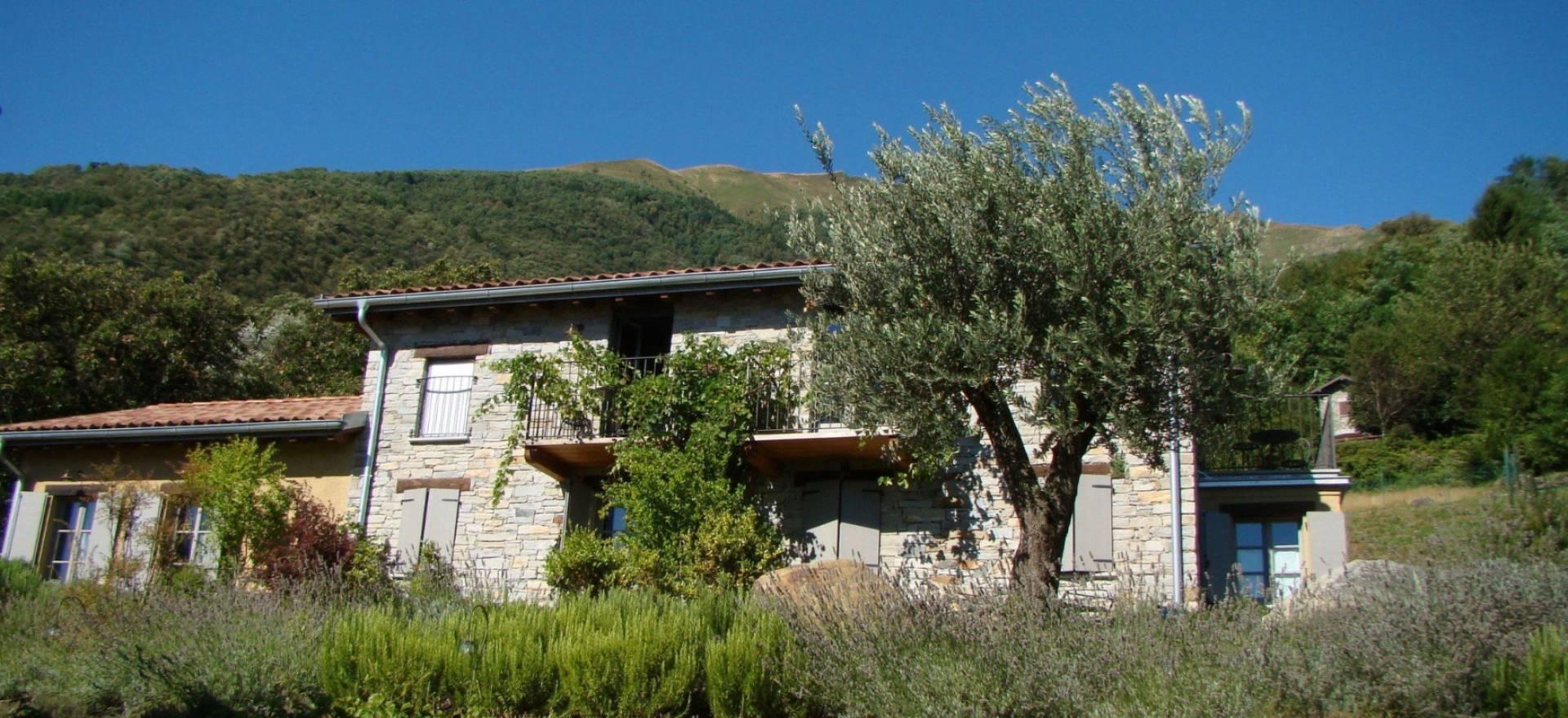 Agriturismo Comomeer en Gardameer Agriturismo Comomeer, luxe kamers, zwembad en meerzicht