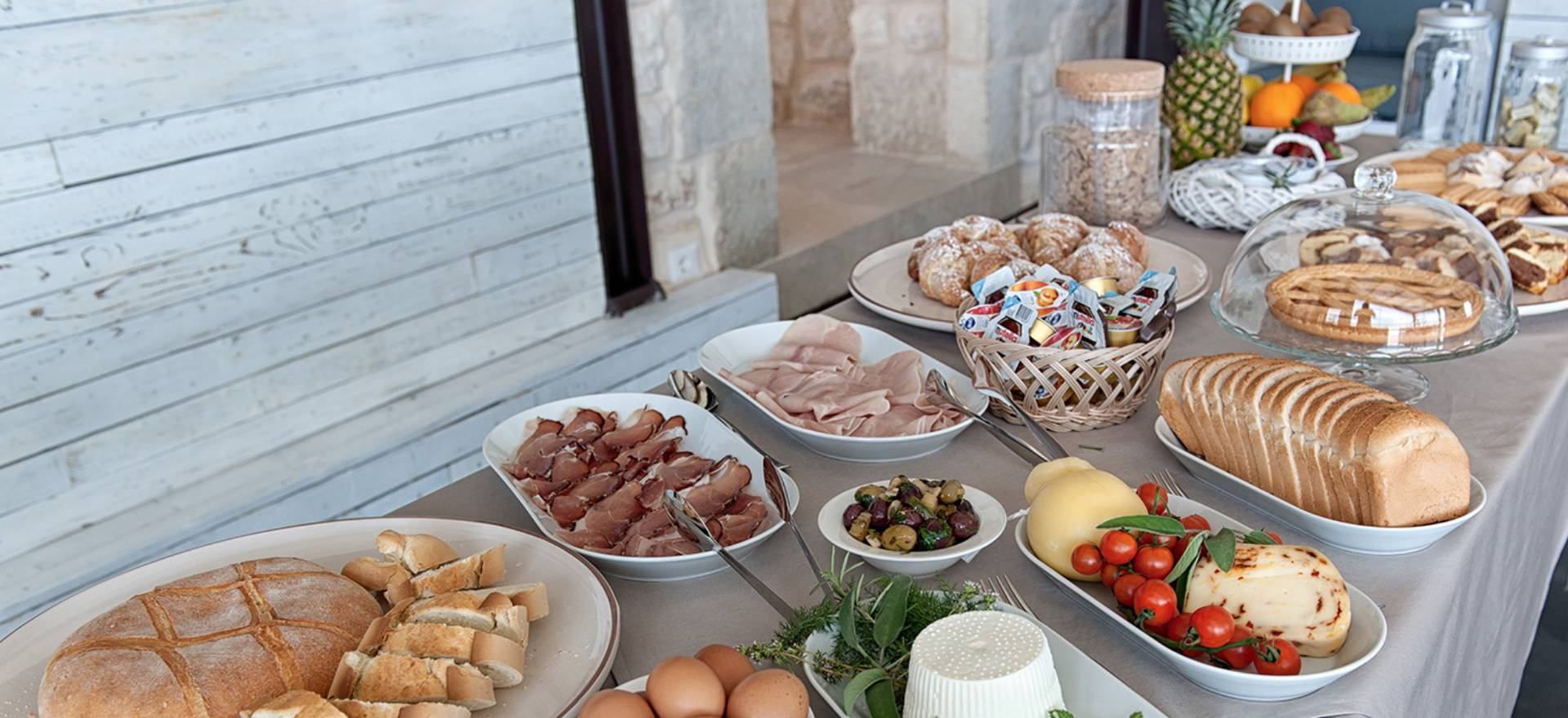 Agriturismo Sicilië Gerenoveerde agriturismo met goede Siciliaanse keuken