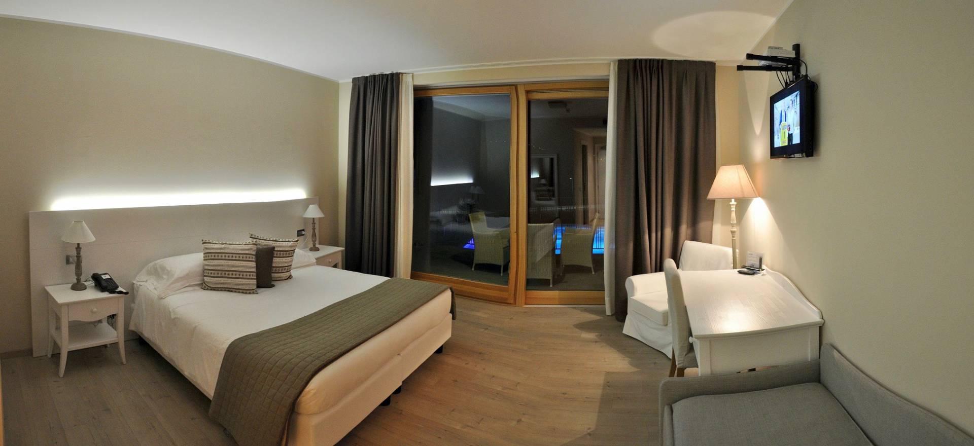 Agriturismo Comomeer en Gardameer Klein country hotel direct aan het Comomeer
